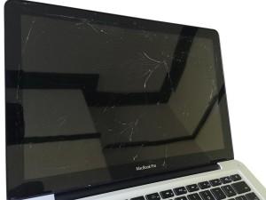 Broken Macbook Pro glass replacement in Sheffield